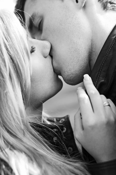 говорю поцелуй с блондинками фотографию посылать