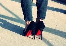 Делать обувь с красной подошвой запрещено