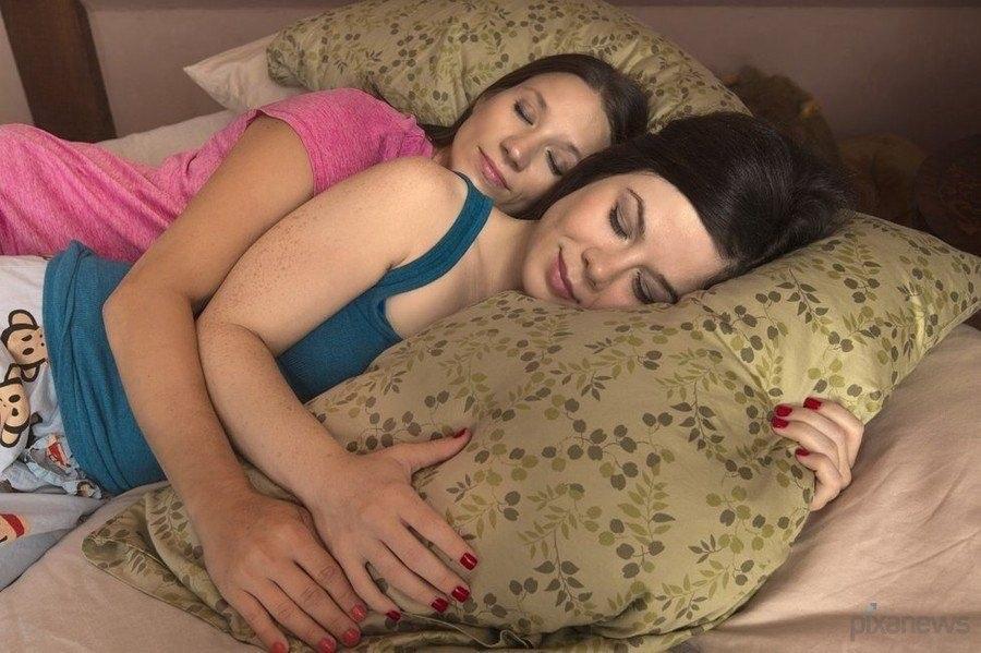 секс онлайн спящие