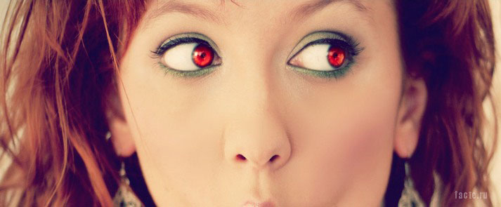 красные глаза у человека