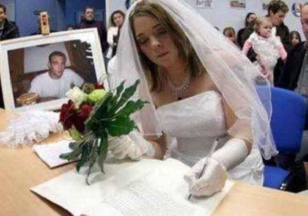 невеста и смерть на мотоцикле