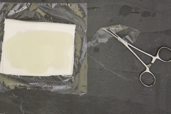 Castor-oil-pack-flannel-how-to
