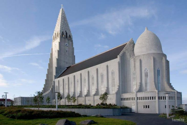 церковь в исландии
