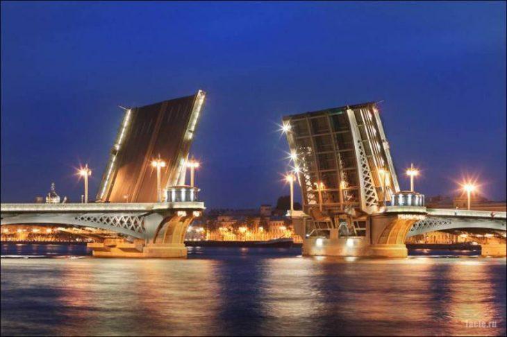 Разводной мост в Питербурге
