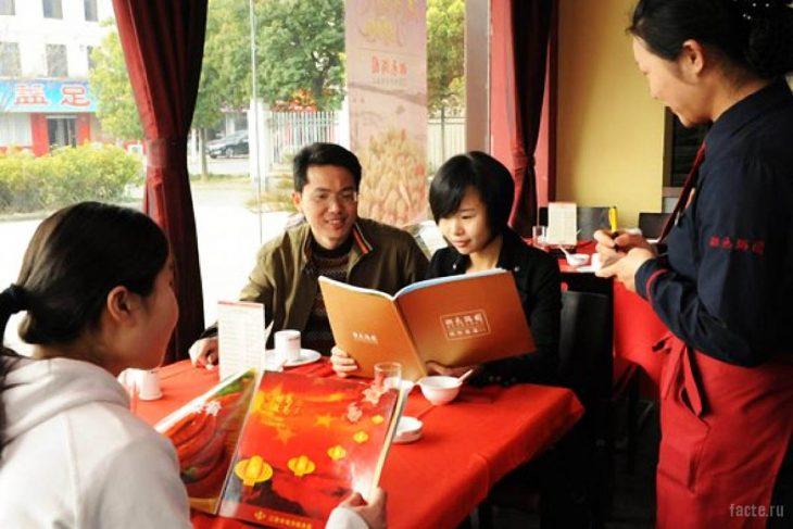 поведение в ресторане Китая