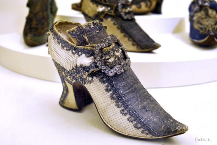 мужские туфли на каблуке