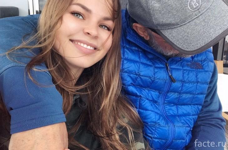 Настю Рыбку и Алекса Лесли задержали в Паттайе