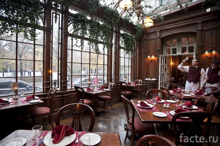 Завтрак + обед + ужин = МРОТ: топ самых дорогих ресторанов Москвы