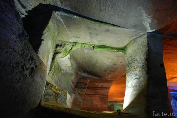Горная пещера