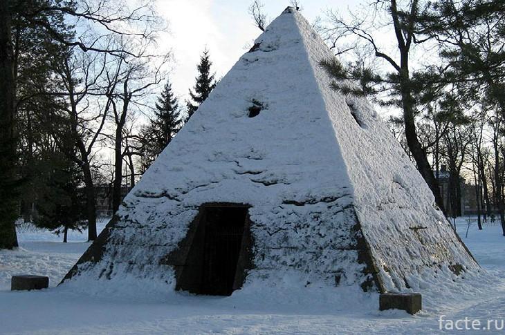 Пирамида в Царском селе СПБ