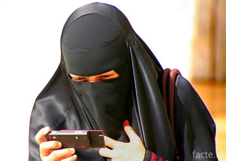 С мобильным