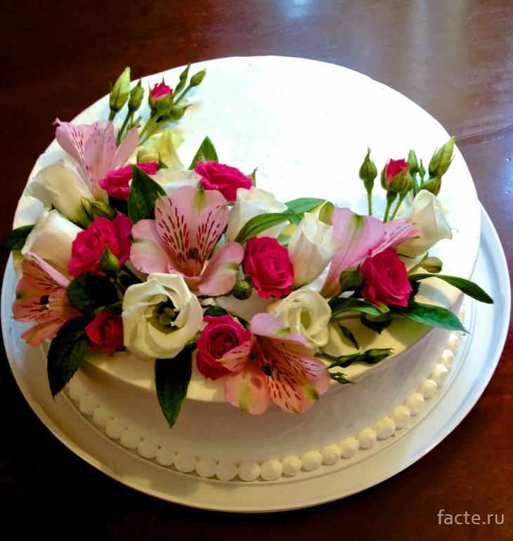 Торт с цветами