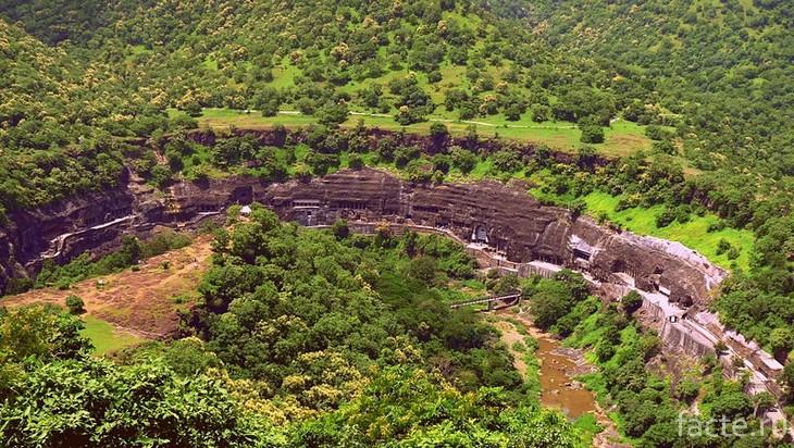Пещеры Аджанта