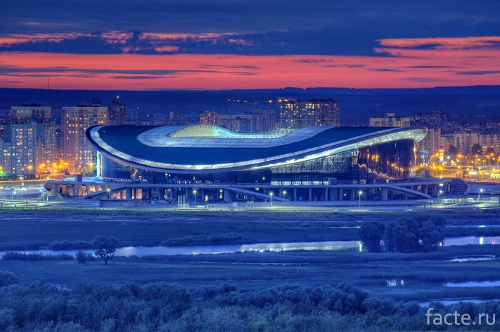 Казань Арена ночью