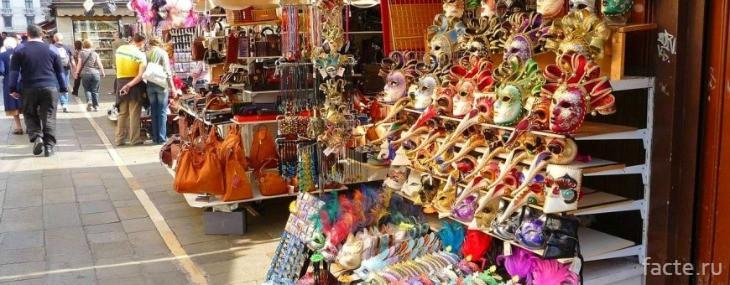 Сувениры за границей или что нужно привезти в подарок