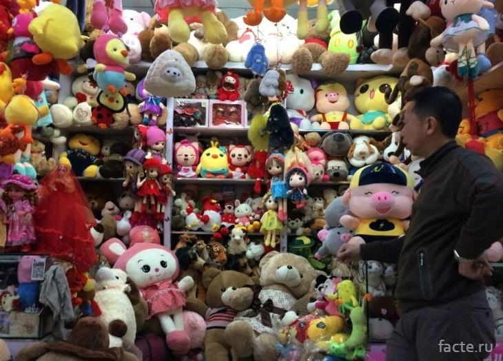 Лавка продажи мягких игрушек в Китае