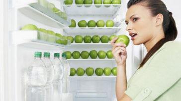 Женщина с орторексией на диете