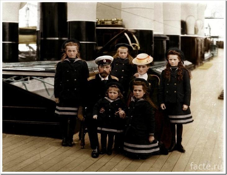 Император Николай с семьёй