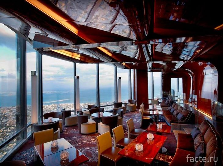 Ресторан в небоскрёбе