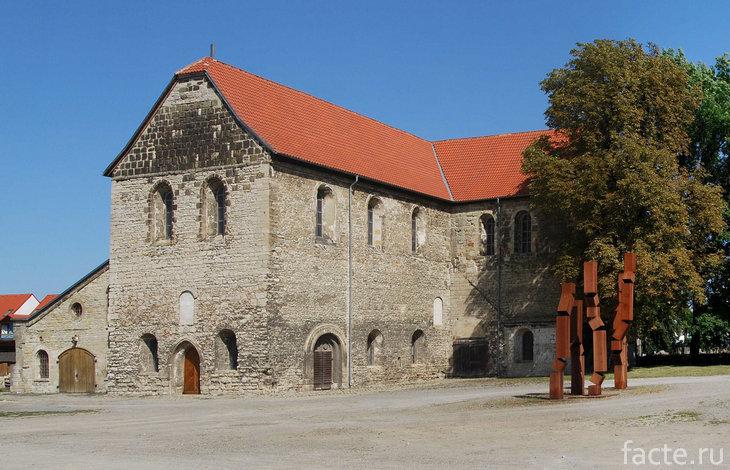 Церковь Санкт-Бурхади