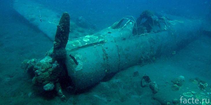 Самолет, затонувший в Бермудском треугольнике