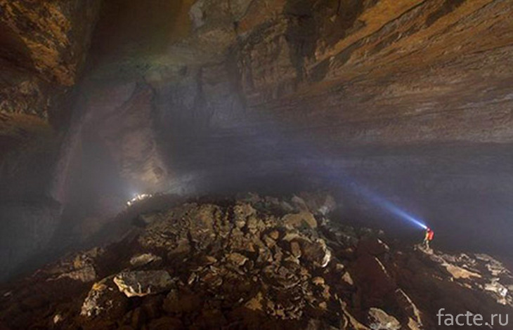 Таинственная пещера Эр Ванг Донг