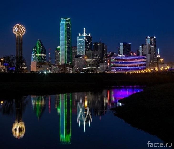 Ночное небо в городе Даллас