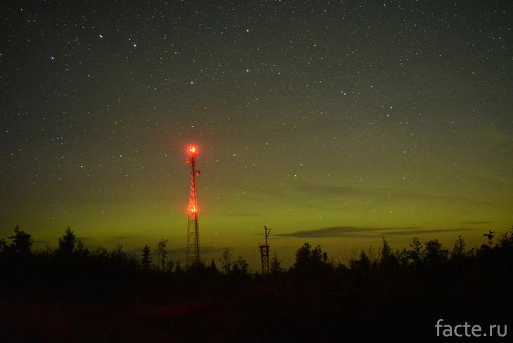 Зеленоватое ночное небо