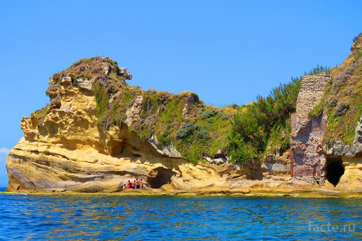 Гайола остров