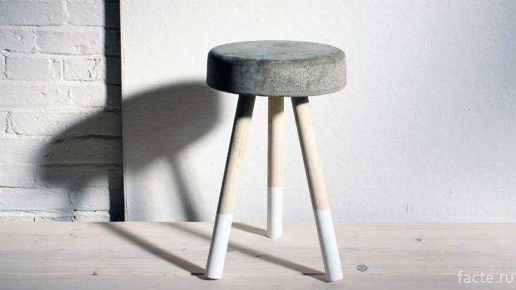 Бетонный столик