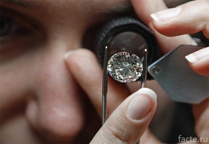 Проверяем бриллиант на подлинность