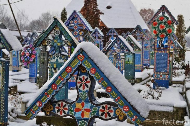 Веселое кладбище зимой