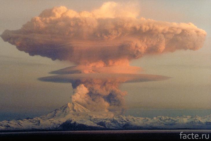 Вулкан Редаут. Извержение