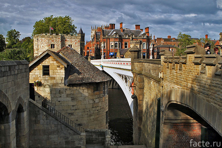 Город Йорк. Мост