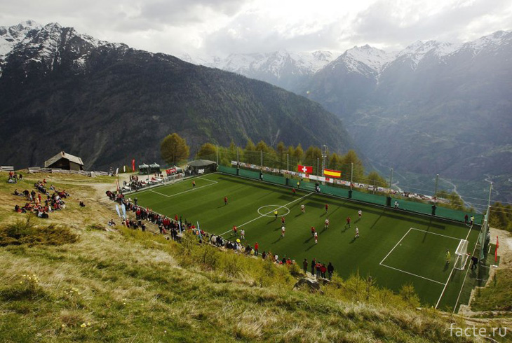 Высокогорная площадка в Альпах