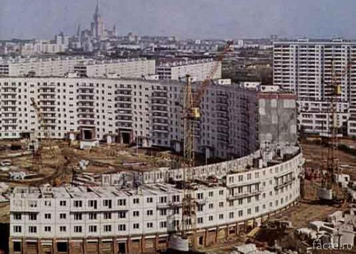 Строительство огромного круглого дома