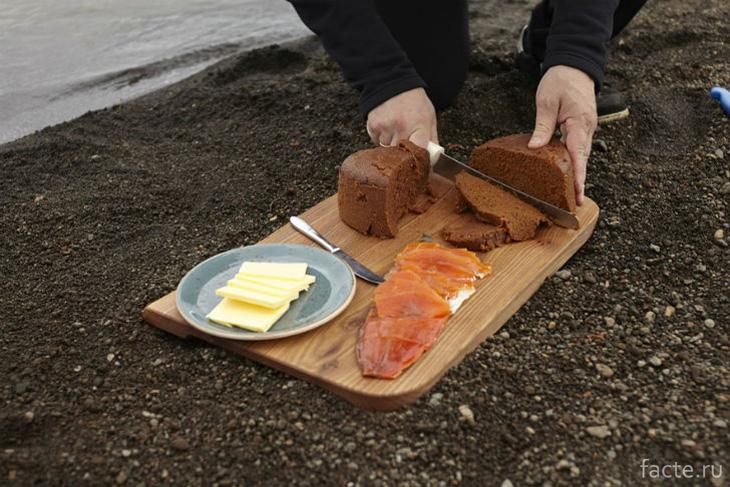 Исландский вулканический хлеб