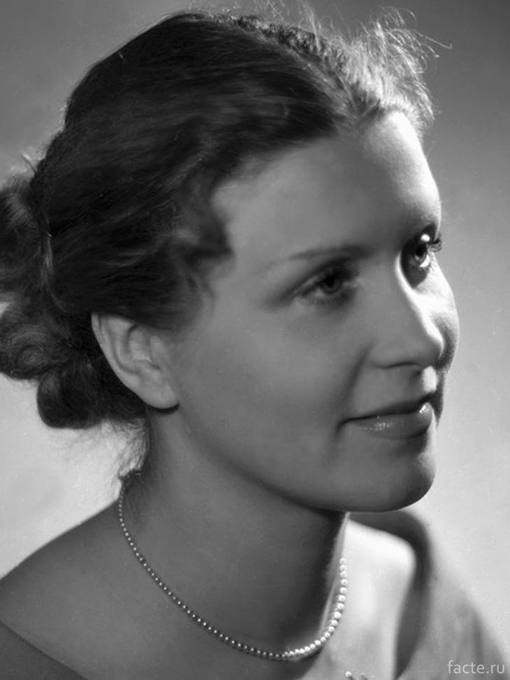 Маргарита Назарова портрет