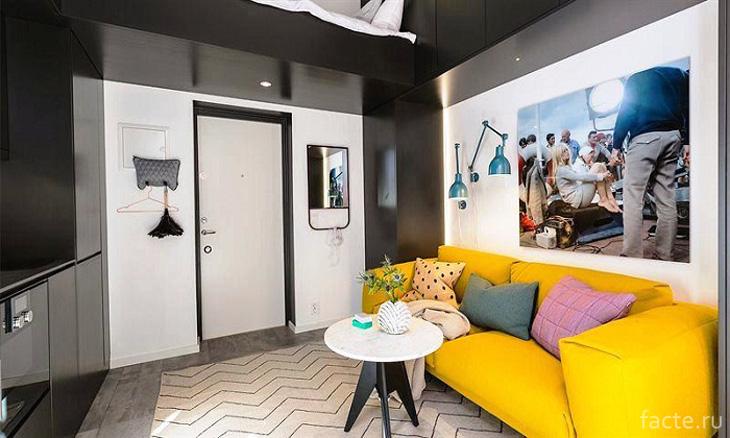 Неординарная цветовая гамма в интерьере гостиной