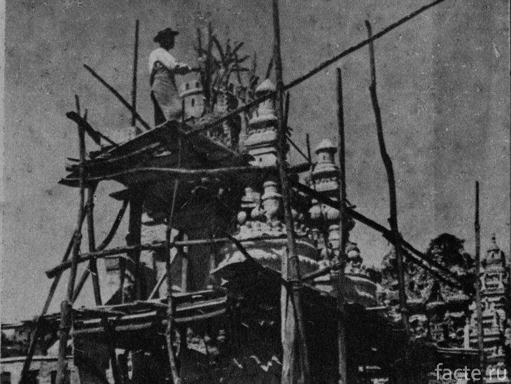 Дворец Шеваля. Строительство