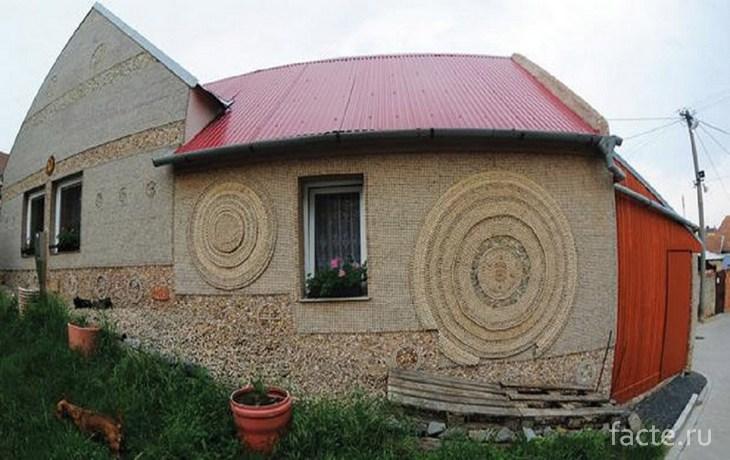 Дом из пробок