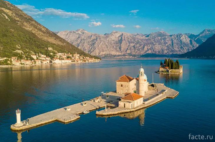 Черногория. Дом на острове
