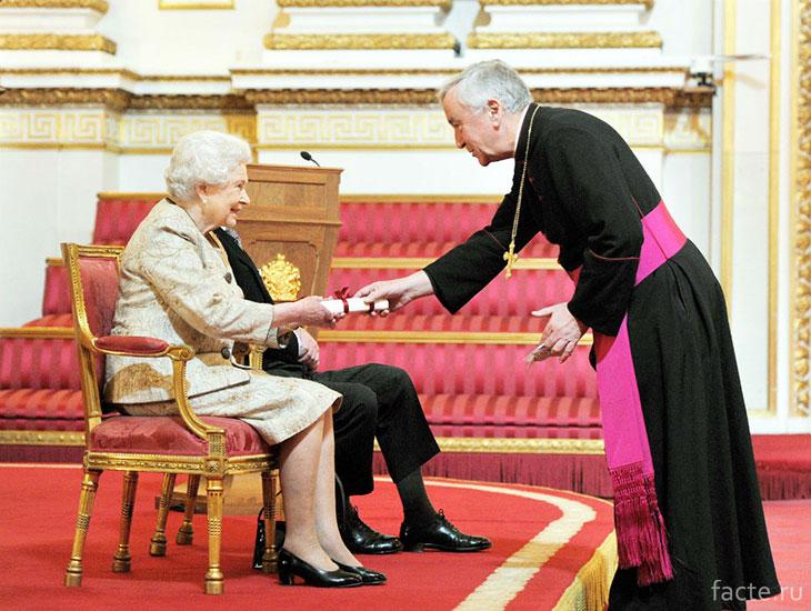 Королева и Папа
