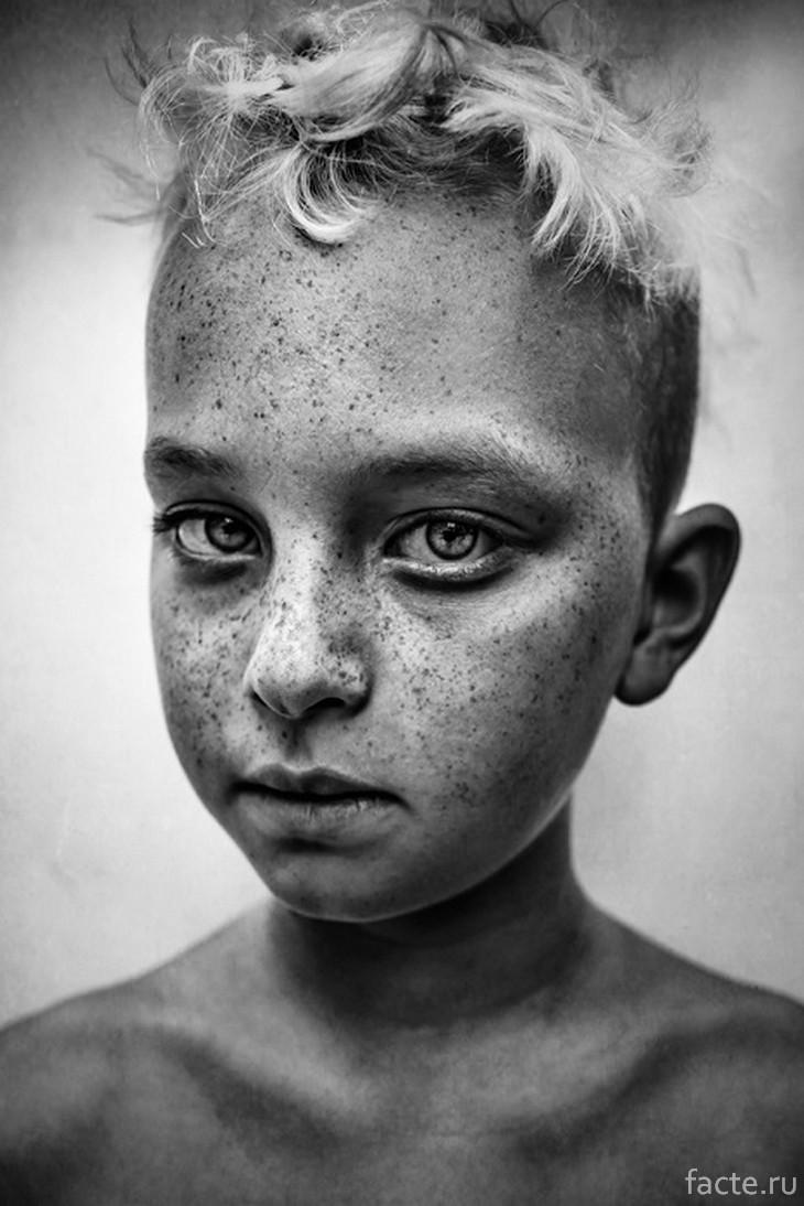 B&W Child Photo