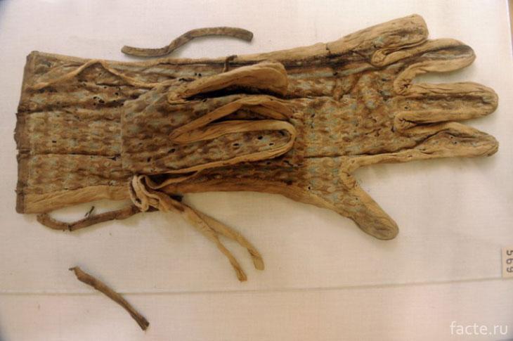 Перчатки из гробницы Тутанхамона