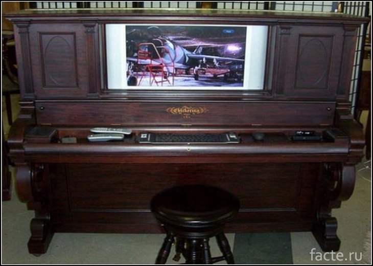 Пианино-телевизор