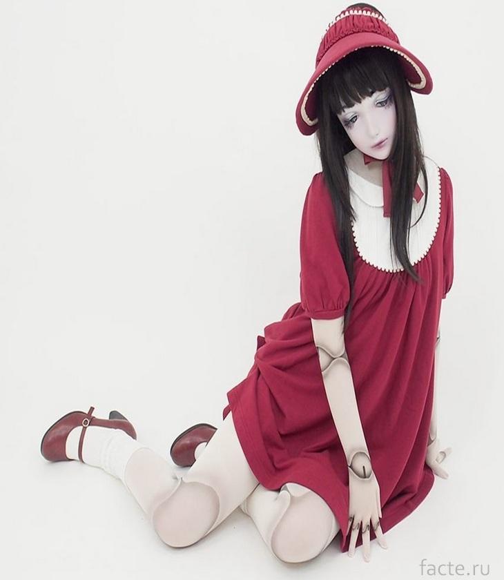 Девушка-кукла