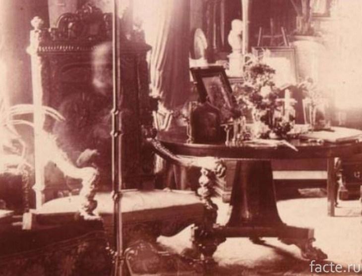 Лорд в кресле