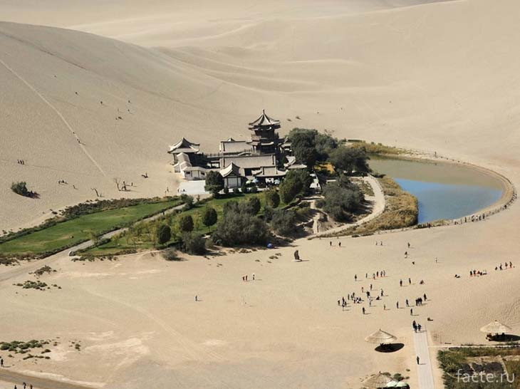 Озеро Юэяцюань