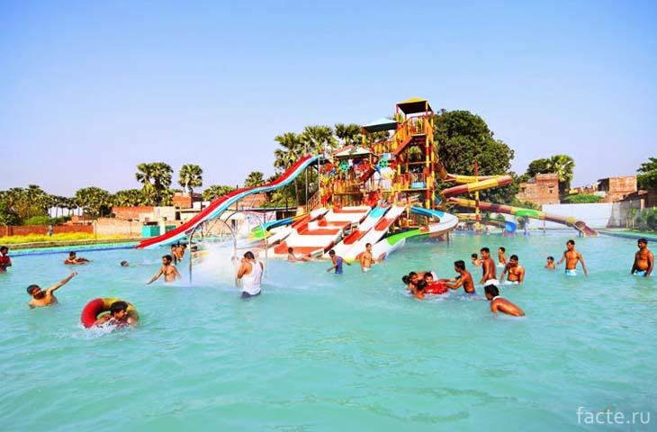 Сарнатх. аквапарк Varanasi Fun City